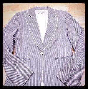 Tahari blue and white striped blazer size 6